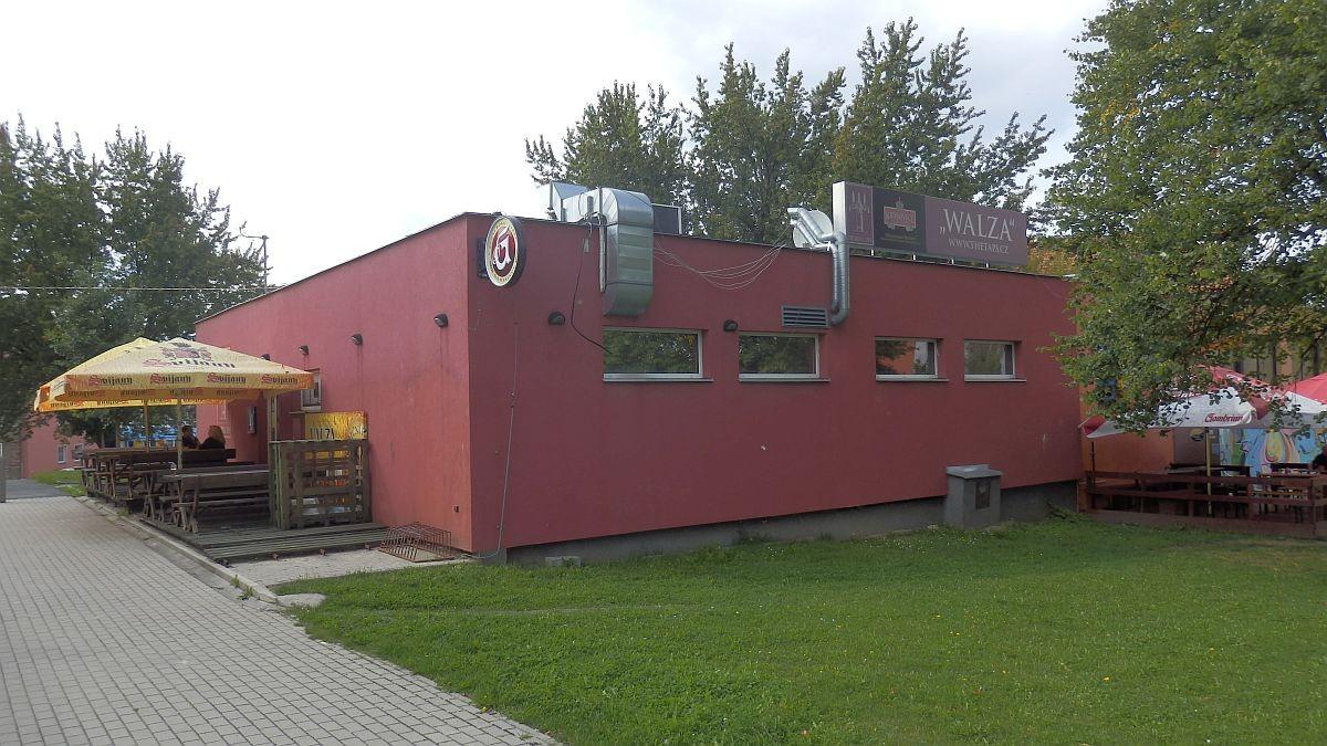 """Pronájem restaurace– pivního baru """"Walza"""" vChebu, Palackéhoul."""