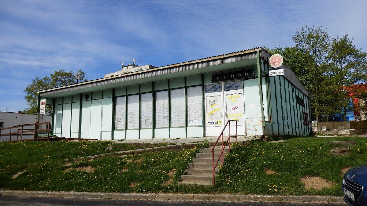 Víceúčelový objekt– občanská vybavenost + pozemek vChebu, Lesníul.