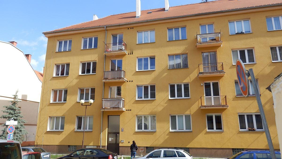 Bytová jednotka 1+kk vcentruChebu, Školníul.