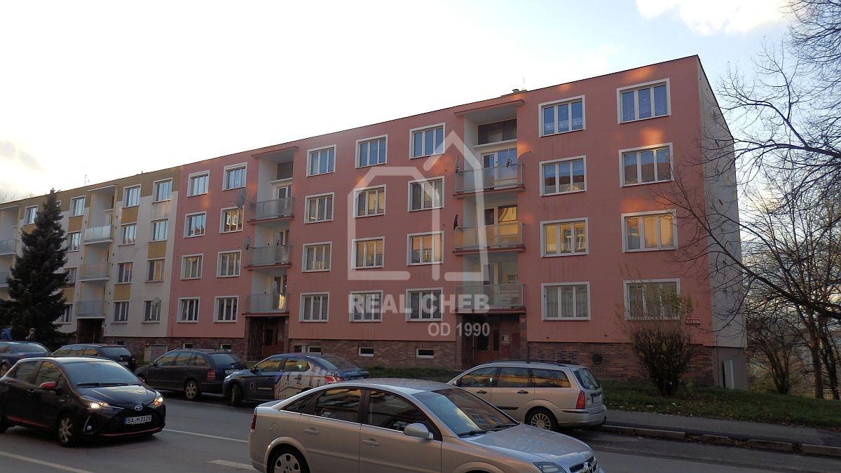 Dlouhodobý pronájem pěkného bytu1+0vChebu, ul. 17.listopadu