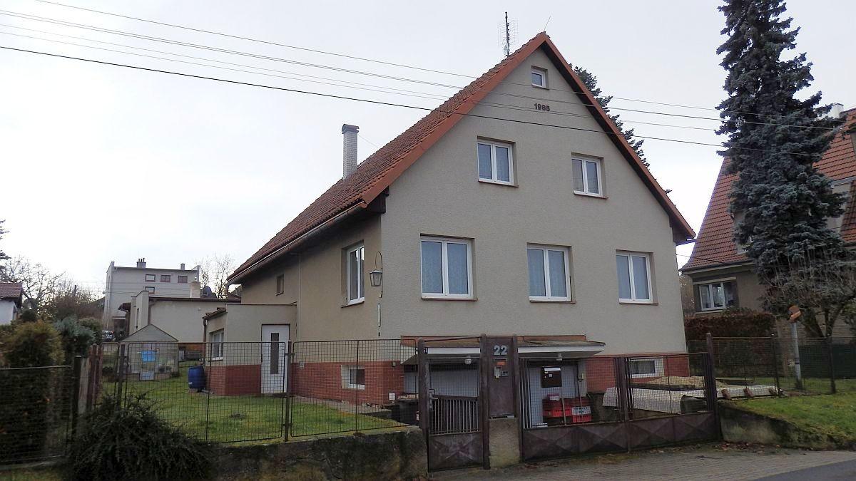 Dlouhodobý pronájem dvoubytového rodinného domu vChebu, Dolnickéul.