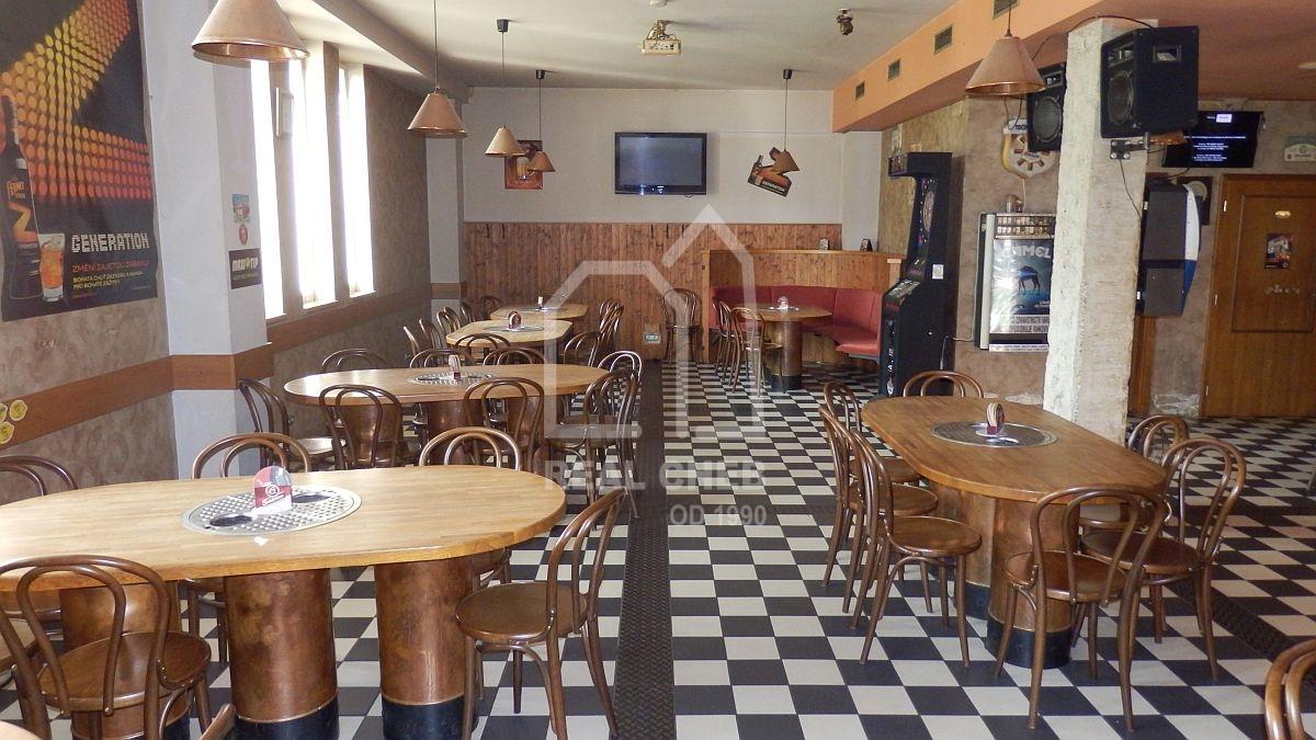 """Pronájem restaurace– pivního baru """"Walza"""" vChebu, Palackéhoul.  , Cheb, Palackého 1026/35"""