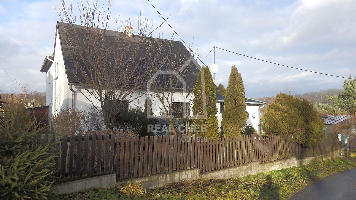 Rodinný dům 7+2sdílnou vKarlových Varech– Dvorech, ul. URybníčků.  , U Rybníčků 256/5 Karlovy Vary - Dvory