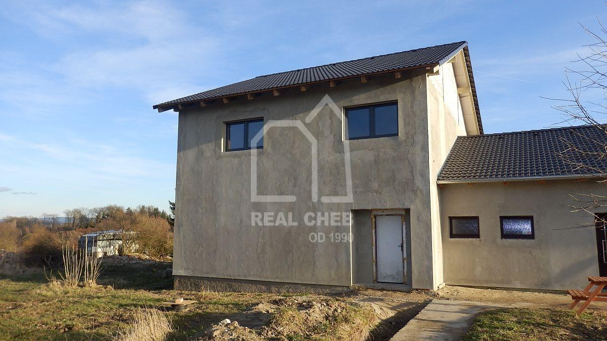 Rodinný dům 6 + 2kk ve Chvoječné uChebu.  , Chvoječná