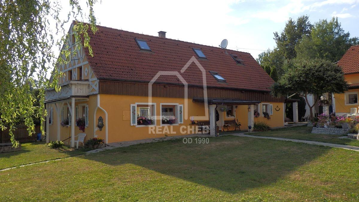 Rodinný a bytový dům včetně zázemí vLipoltově uChebu  , Lipoltov 20, Tuřany