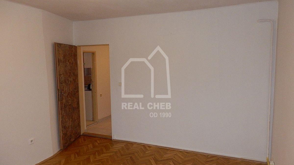 Pronájem pěkného bytu1+1vcentruChebu, Májové ul.  , Májová 639/50, Cheb
