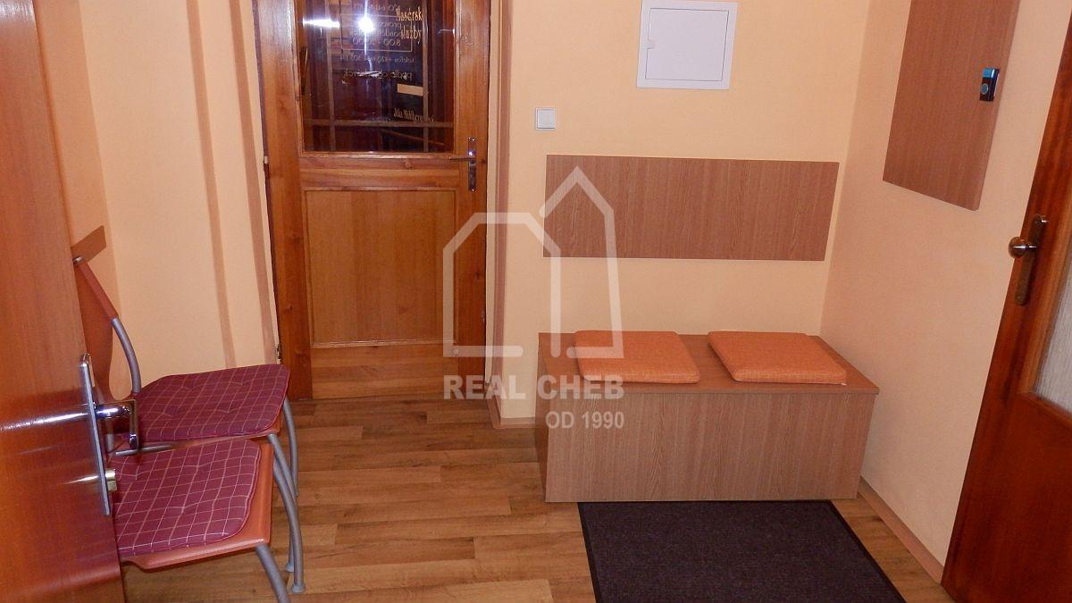 Pronájem nebytového prostoru vhistorickém centruChebu, Provaznickéul.  , Cheb, Provaznická 425/16