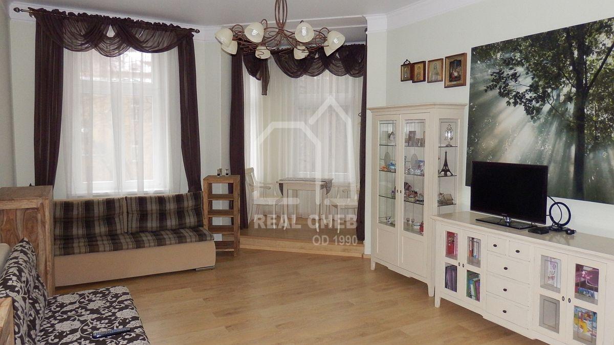 Atraktivní byt 2+1vlázeňském centru Mariánských Lázní, Ruskául.  , Mariánské Lázně, Ruská 427/30