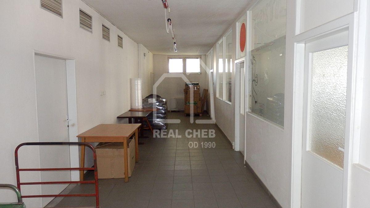 Administrativní budova vcentru Mariánských Lázní, Příčnéul.  , Příčná 647, Mariánské Lázně