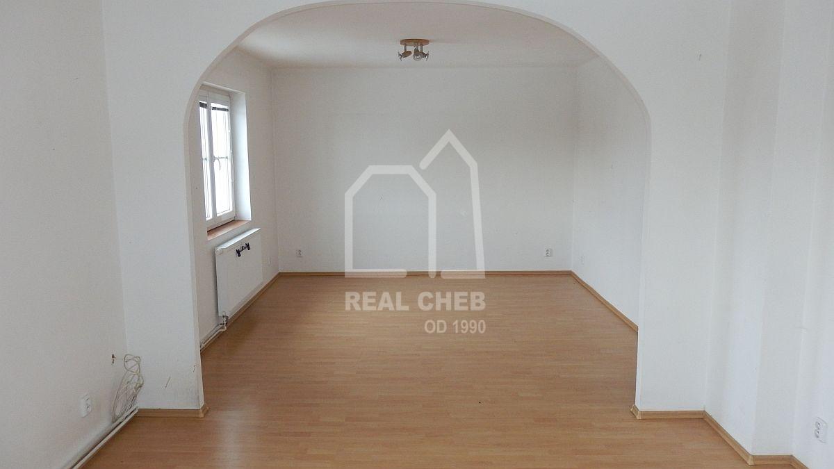 Rodinný, bytový dům včetně zázemí vLipoltově uChebu.  , Tuřany, Lipoltov 3