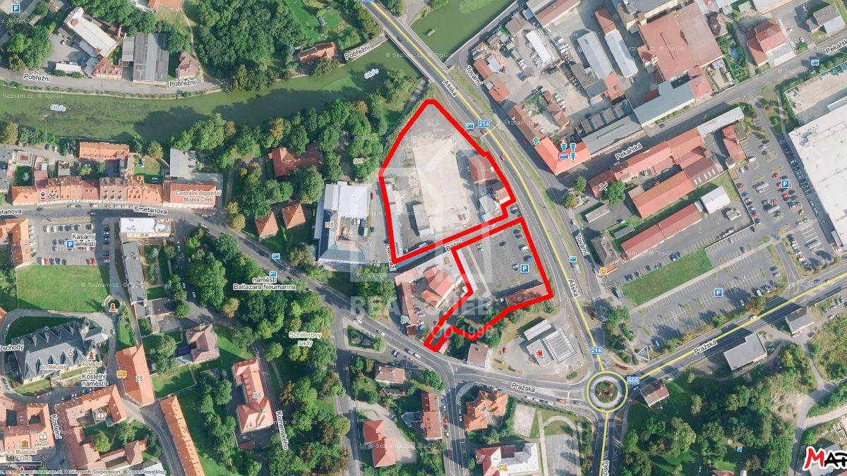 Komerční plochy a budovy vširším centru města Chebu.  , Boční 1756/3, Cheb