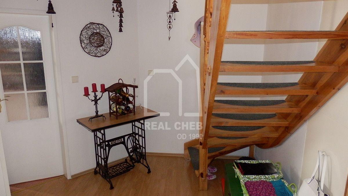 Podkrovní, mezonetový byt 4+kk sterasou vrozšířeném centruChebu, Lidickéul.  , Cheb, Lidická 1548/4