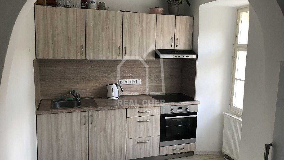 Pronájem nového bytu2+kk vcentruChebu, Dlouhá ul.  , Dlouhá 42/10, Cheb