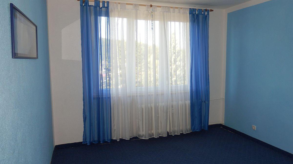 Dlouhodobý pronájem pěkného, opraveného bytu1+3vAši, Mikulášskéul.  , Mikulášská 2496/6, Aš