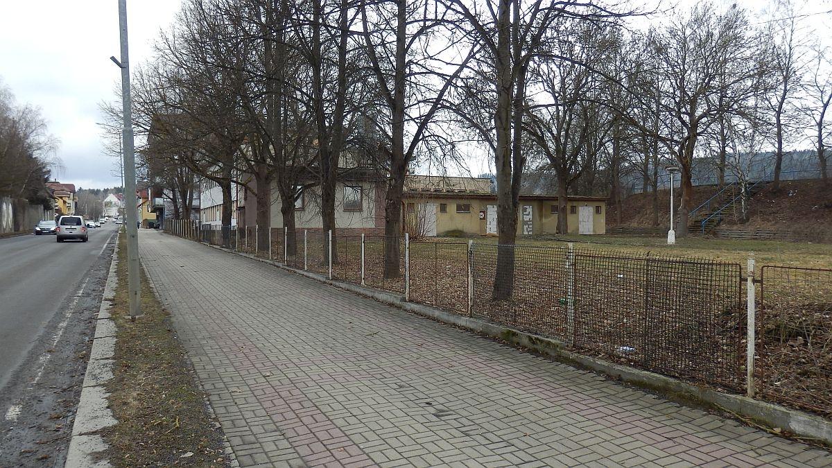 Stavební pozemek shotelem a parkovištěm vMariánských Lázních, Plzeňskéul.  , Plzeňská 729/7a, 35301 Mariánské Lázně - Úšovice