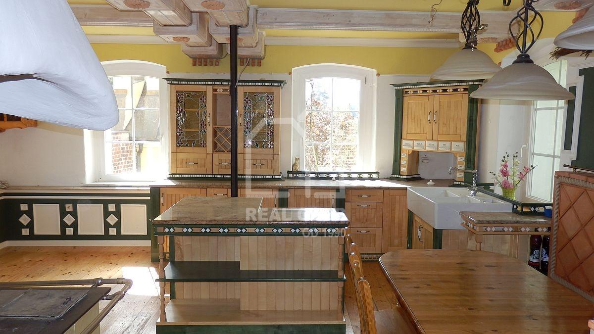 Stylový rodinný dům skapličkou a altánem vKrásňanech uHranic  , Krásňany 481