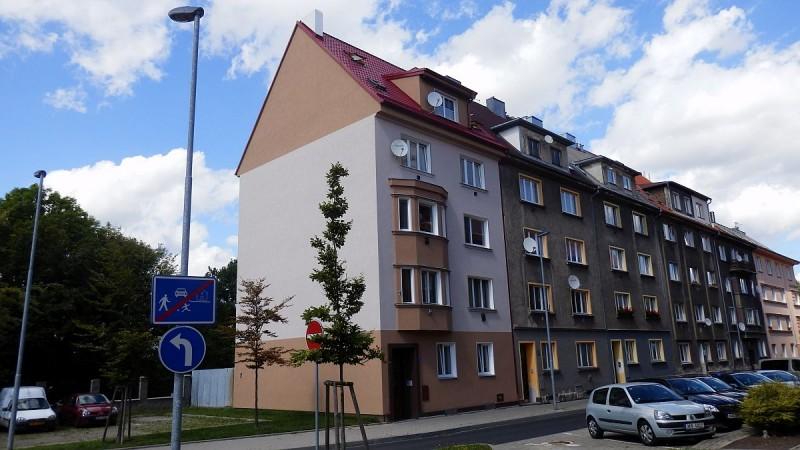 Podkrovní byt 3+kk vChebu, ul. Obětí nacismu. <span>Cheb, Obětí nacismu 1030/12</span>