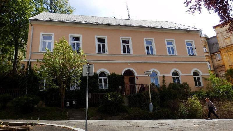 Dům se čtyřmi byty a zahradou vlázeňském centru města Mariánské Lázně, Lesníul. <span>Lesní 102/6, Mariánské Lázně</span>