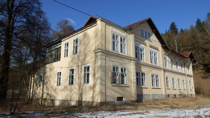 Vila, administrativní budova a sklad vRotavě, Nejdeckéul.