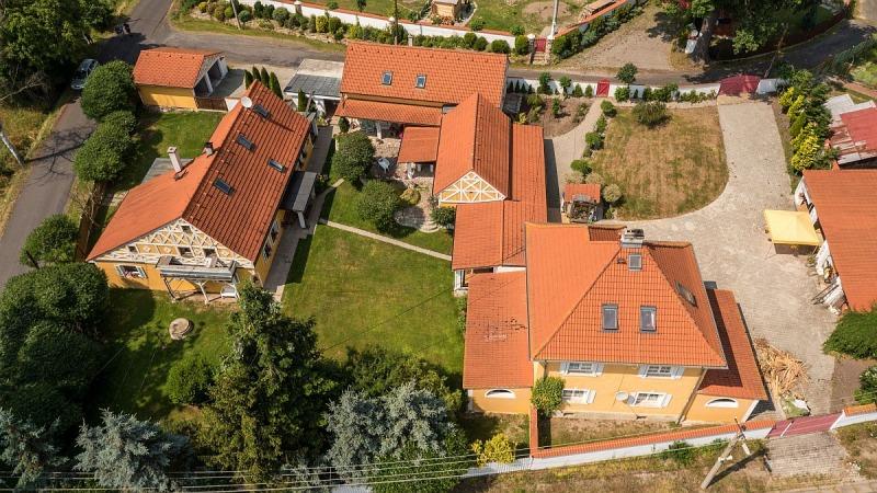 Rodinný a bytový dům včetně zázemí vLipoltově uChebu