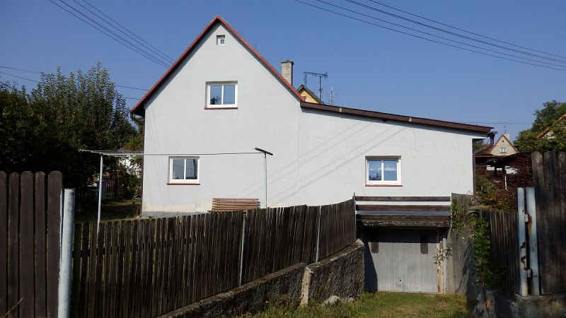 Rodinný dům 3+1vokrajové části Plesné, Šeříková ul.