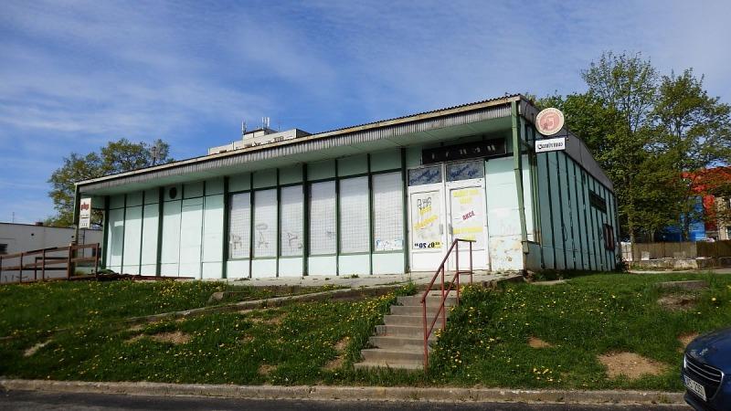 Pronájem víceúčelového objektu– občanské vybavenosti + pozemek vChebu, Lesníul.