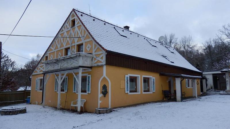 Venkovský rodinný dům včetně zázemí vLipoltově uChebu.