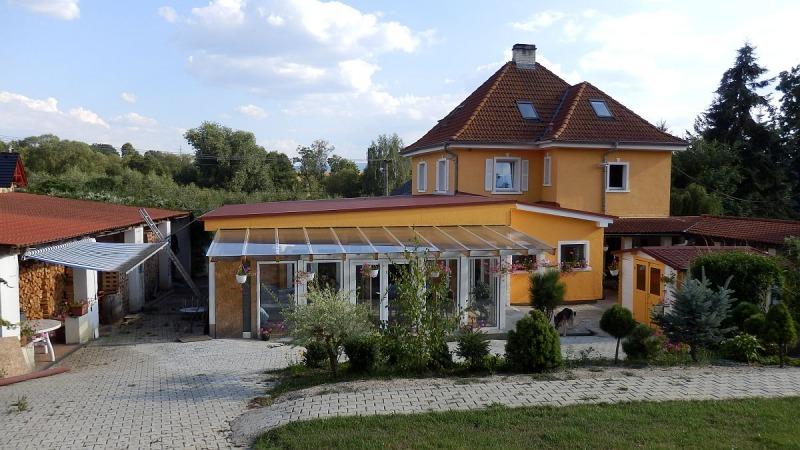 Rodinný, bytový dům včetně zázemí vLipoltově uChebu. <span>Tuřany, Lipoltov 3</span>