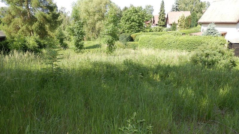 Stavební pozemek ve vyhledávané chatové lokalitě Skalka uChebu.