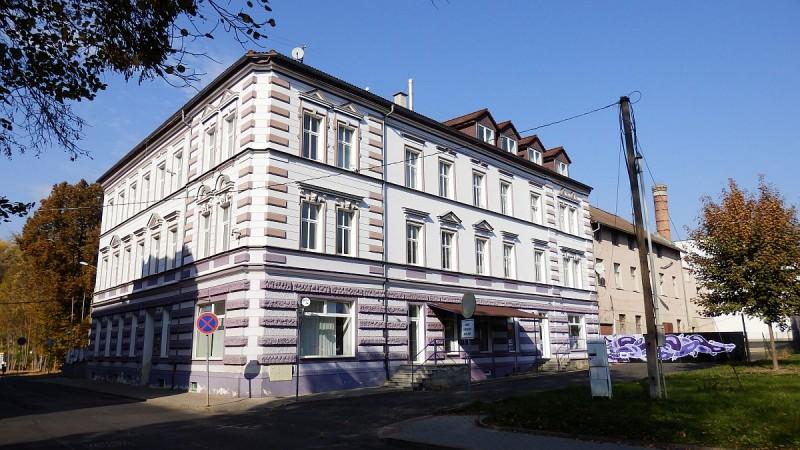 Pronájem nebytového– obchodního prostoru vadministrativní budově vChebu, Havlíčkověul. <span>Cheb, Havlíčkova 1803/2</span>