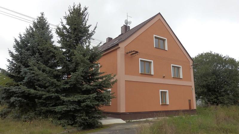 Pronájem ubytovacího zařízení– penzionu vChebu, Dolních Dvorech.  <span>U Farmy 2/12 Cheb - Dolní Dvory</span>