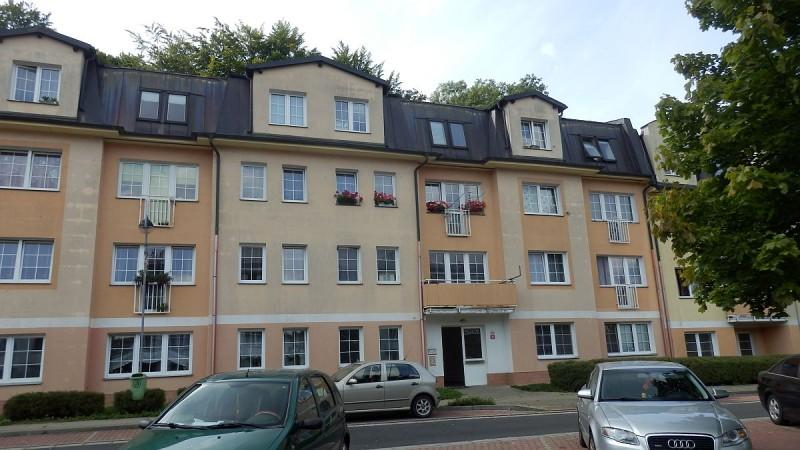 Dlouhodobý pronájem pěkného, prostorného bytu1+kk vAši, Hlavníul.