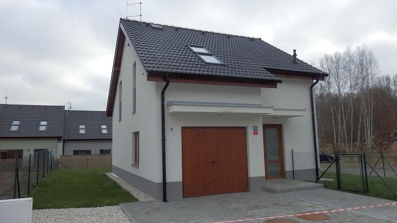 Dlouhodobý pronájem novostavby rodinného domu vChebu, ul. Na Nivách.