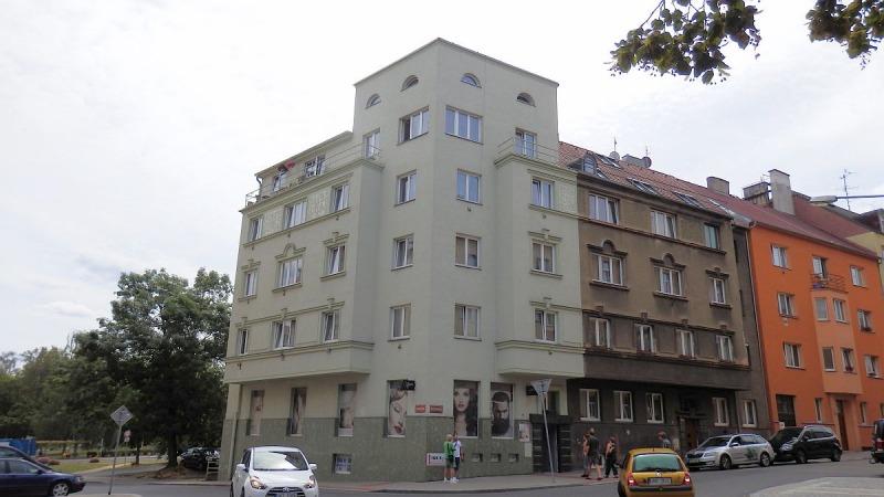 Pronájem pěkného bytu1+2vcentruChebu, Komenskéhoul.