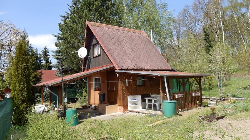 Rekreační chata vPodhradu uChebu– osada UKaštanu.