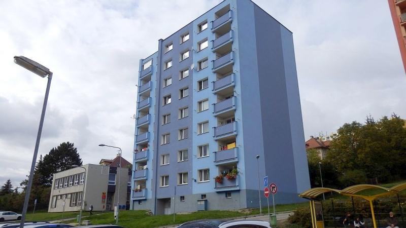 Dlouhodobý pronájem pěkného bytu1+3slodžií vChebu, ul. Boženy Němcové.