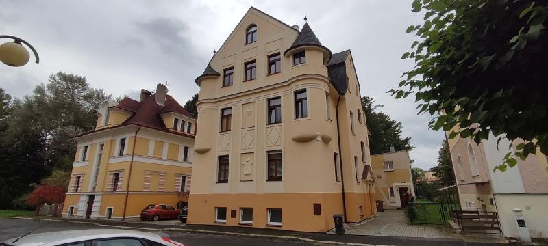 Pronájem pěkného podkrovního bytu2+1ve Františkových Lázních, Zahradníul.